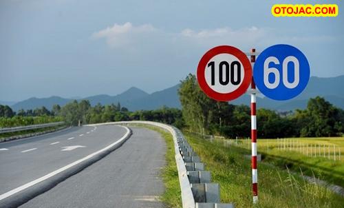 Những điều chỉnh mới trong luật giao thông tài xế Việt cần biết – otojac.com