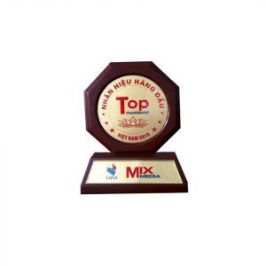 JAC Việt Nam nhận giải, Top 100 nhãn hiệu hàng đầu việt nam – Top 100 sản phẩm vàng, dịch vụ vàng Việt Nam 2016